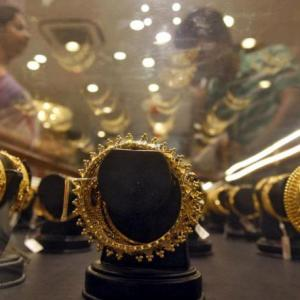 I know what you did on Tue night: Minister tells jewellers
