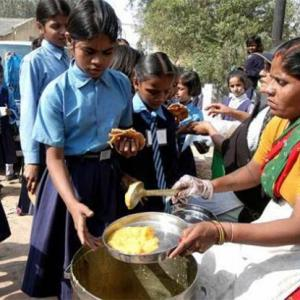 Row erupts over Akshaya Patra serving <i>'satvik'</i> food as midday meal