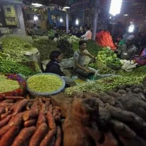 Retail inflation hits 5-mth high on costlier veggies