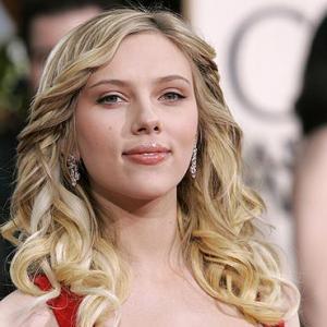 Scarlett Johansson is not pregnant, claims publicist