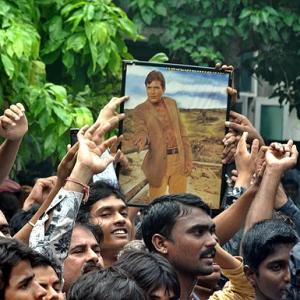 PIX: Fans bid goodbye to Rajesh Khanna