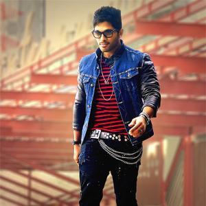 First Look: Allu Arjun in Iddarammayilatho
