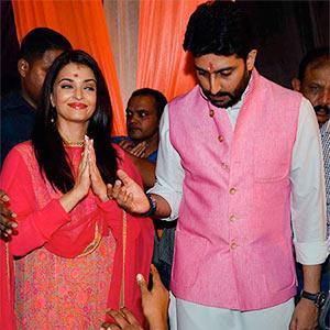 PIX: Abhishek-Aishwarya seek Ganpati's blessings - Rediff