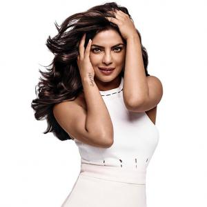 Is Priyanka sexier than Deepika? VOTE!