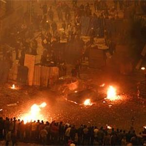 Mubarak's thugs fire at protestors in Cairo