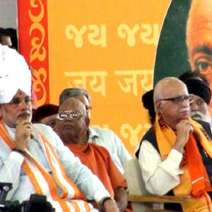 Modi meets Advani, BJP says 'no differences' over tickets