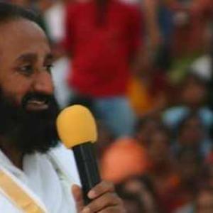 God NOT in 99 names or 1,000 idols: Sri Sri in Pak