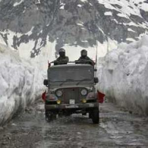 India-China end stand off, armies withdraw from Ladakh