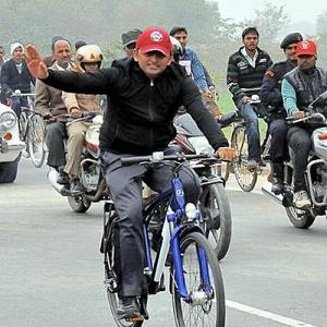 Akhilesh will ride his cycle in MP; SP to contest all 230 assembly seats