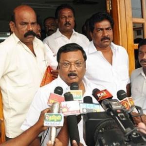 DMK warns members against hobnobbing with Alagiri