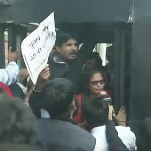 Modi vote-walk: Cong workers protesting at EC office detained