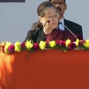 This is a new hope for Congress: Sonia hands over baton to Rahul