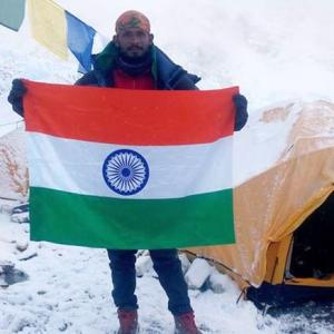 Missing Indian dies after climbing Mount Everest
