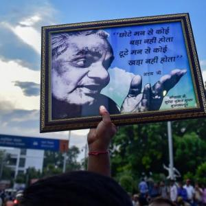 Vajpayee's funeral today: Traffic advisory for Delhi commuters
