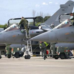 Wait for CAG report, says govt as Cong steps up Rafale heat