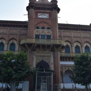A historic library lies in ruins in Aligarh