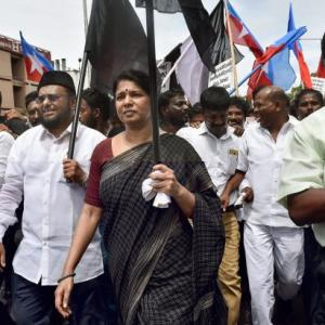 Kanimozhi detained as DMK leads protests against Tuticorin firing incident