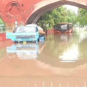 Waterlogging, traffic snarls after heavy rains in Delhi