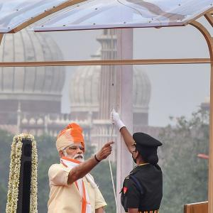 Meet the officer who assisted PM in hoisting the flag