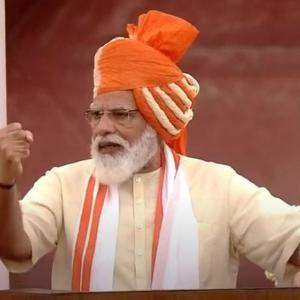 Modi continues 'turban tradition' at I-Day event