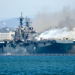 17 US sailors hospitalised after fire on board vessel