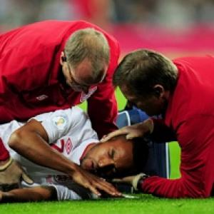 Walcott ruled out of England's trip to Poland