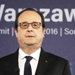 France did not choose Reliance in any way: Hollande