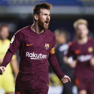 Barca 'sharp shooter' Messi equals Bayern legend Mueller's record