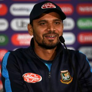 Bangladesh pacer Mortaza recovers from COVID-19