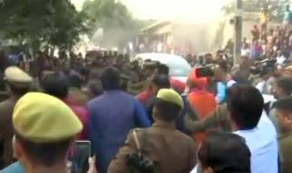 Protest against UP ministers at Unnao victim's village