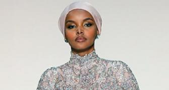 Model who made hijabs fashionable quits runway
