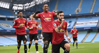 EPL PIX: Man United end City's run; Liverpool lose