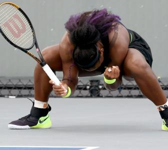 Sister Act: Serena beats Venus to reach quarters