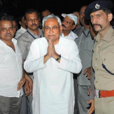 11:26 JD(U) pledges to drag Lalu to court for defaming Nitish: The Janata Dal (United) on Thursday slammed Rashtriya Janata Dal (RJD) supremo Lalu Prasad ...