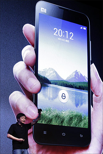 This Chinese phone threatens to beat the iPhone!