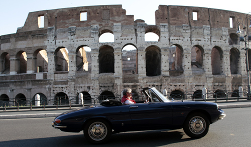Mauro Monteferri drives his Alfa Romeo Spider