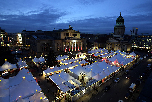 A general overview shows the Gendarmenmarkt Christmas market in Berlin's Mitte district.