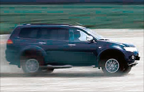 Check out Mitsubishi's swanky Pajero!