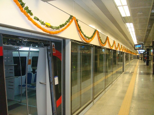 Why The Delhi Airport Metro Faces A Crisis Rediff Com