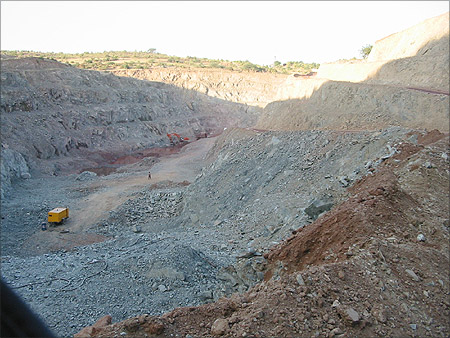 Open pit gold mine of Hutti Gold Mines Limited near UTI village.