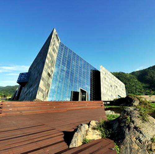 Lanyang Museum.