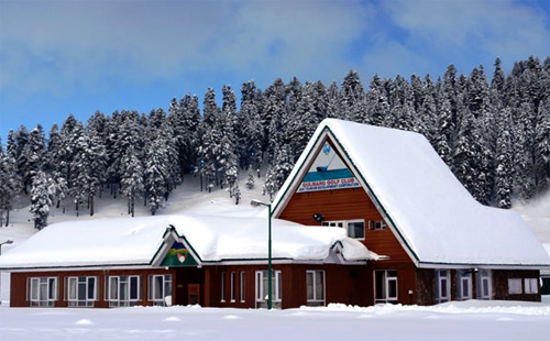 Golf Club Gulmarg in Winter.