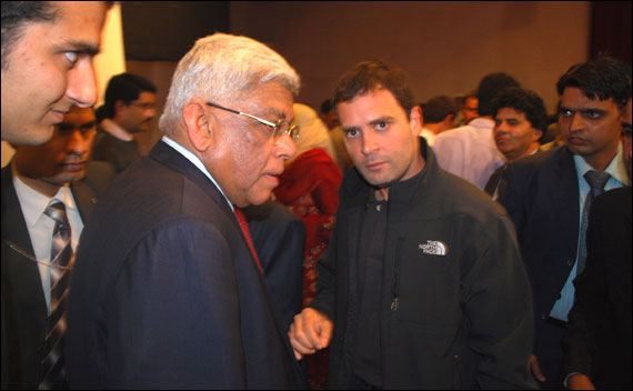 Rahul Gandhi with Deepak Parekh in Kashmir.