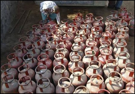 An LPG cylinder now costs Rs 883
