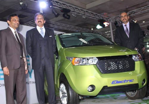 Pawan Goenka with Anand Mahindra and Chetan Maini.