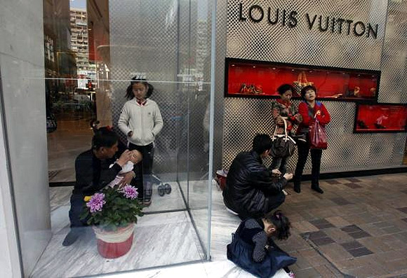 How the young Chinese splurge