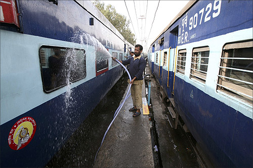 Railway Minister announces 19 new trains