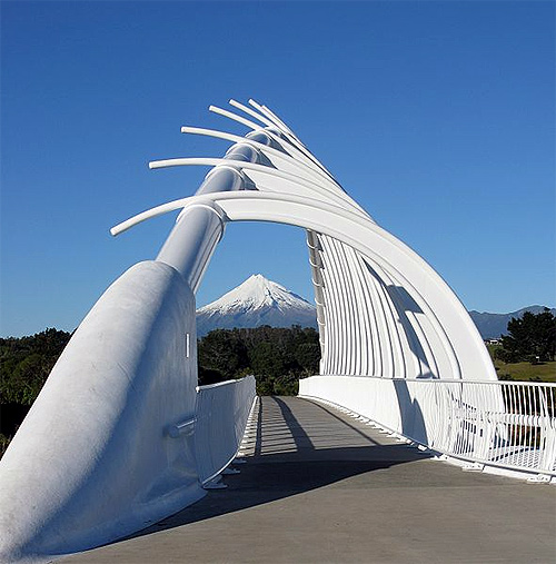Te Rewa Rewa Bridge.