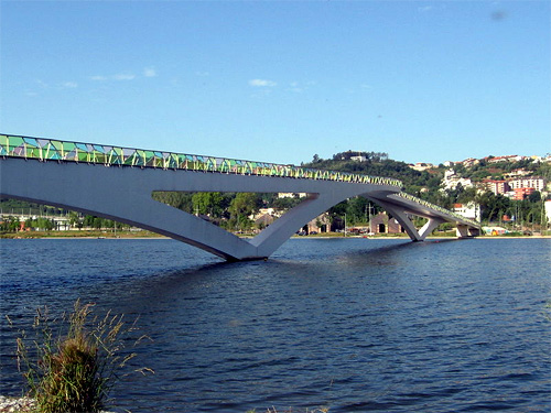 Pedro e Ines Bridge.
