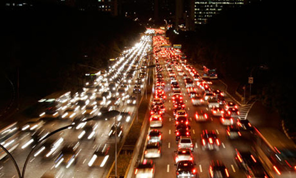 Traffic jams in Sao Paulo can total more than 200 km (124 miles).